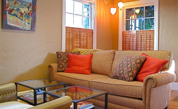 01-warm-craftsman-home-living-room-couch–Interior-design-berkeley-ca-nibler-800×600