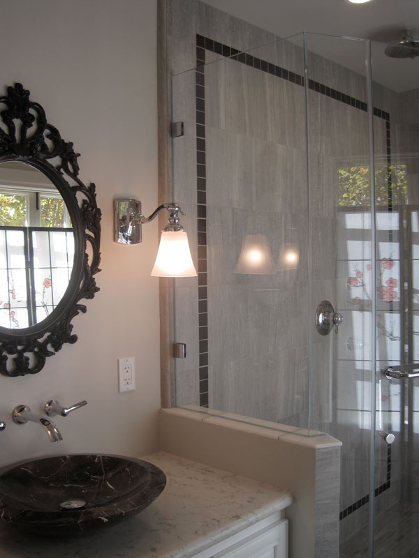 Elegant transitional bath for Interior design oakland