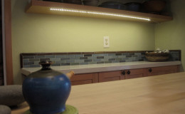 03-kitchen-remodel-pottery-counter-led-lights-interior-design-berkeley-800×600