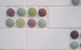04-bath-design-polka-dot-tile-detail2-interior-design-oakland-800×600