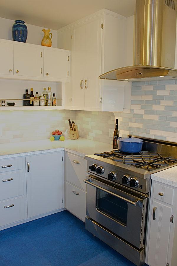 Vintage Blue And White Kitchen