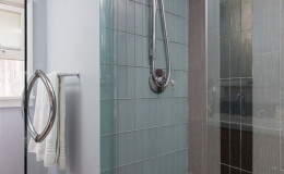 10-mid-century-design-master-bath-tile-cantu-600×900