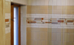 02-bath-glass-shower-door-600×900