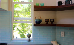 05-Lavine-kitchen-shelf-900×600