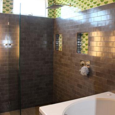 Modern Soaking Bath