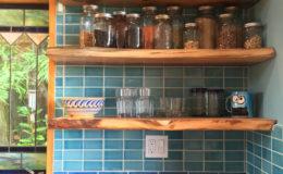 03-Eco-friendly-interior-design-kitchen-bath-oakland-berkeley-Ghizzoni-shelves-800×800