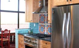 05-Eco-friendly-interior-design-kitchen-bath-oakland-berkeley-Ghizzoni-fridge-wall-560×800
